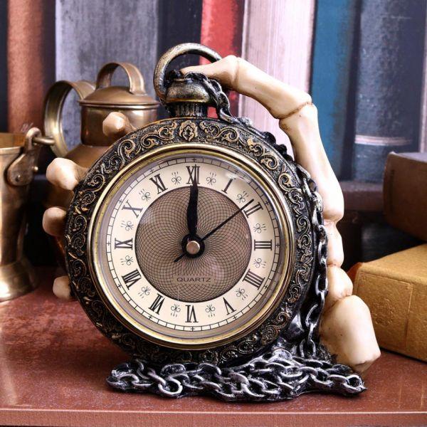 Steampunk Taschenuhr in Skeletthand Tischuhr