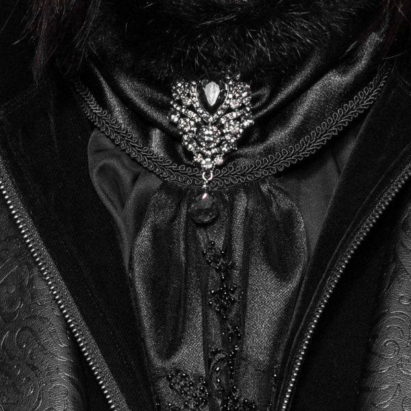 Brosche in pompösem Dark Baron Look