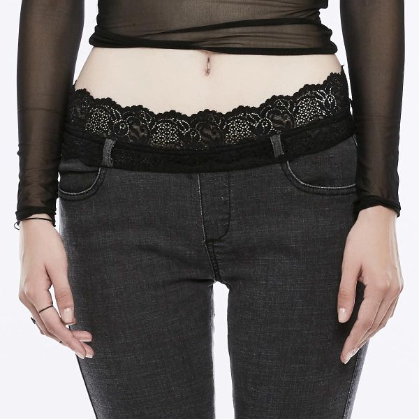 Dark Romantic Skinny Jeans mit Spitzensaum und Gürtel